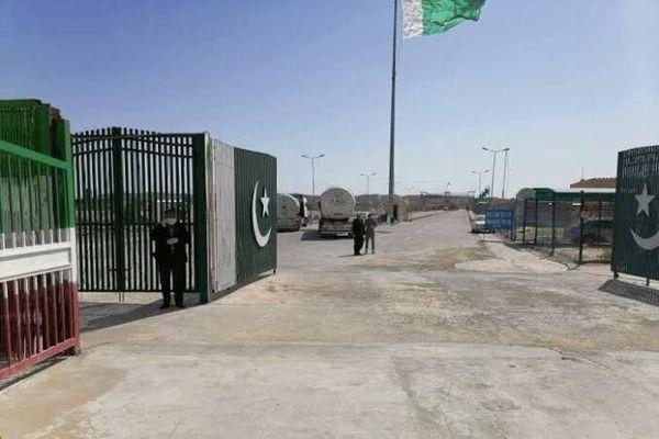 بازگشایی مرز ایران و پاکستان برای آمد و رفت تجار و دانشجویان